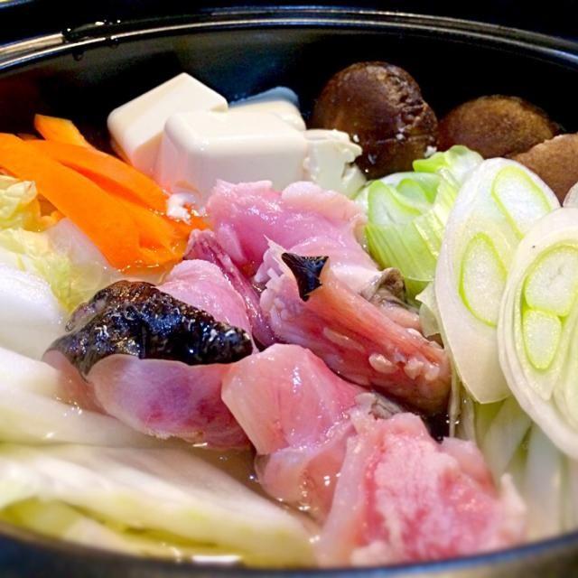 旬のものを旬のうちに、今宵はお一人様鍋で。 食べ過ぎて苦しい…ε-(´∀`; ) - 62件のもぐもぐ - あんこう鍋 by おかっぴー
