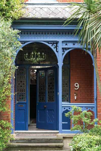 Detailed cutouts painted in blue amp up the design expectations for what's behind this entry. | Drawing Room Blue® No.253 Exterior Eggshell, @farrowball: No 253 Exterior, Drawings Rooms, Farrow Ball, Blue Doors, Ball Drawings, Rooms Blue, Blue Colors, Outdoor Spaces, Exterior Eggshell