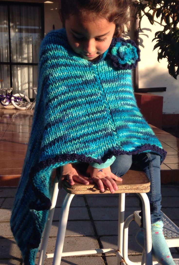 Poncho a palillo niña de 7 años... Le encanta!