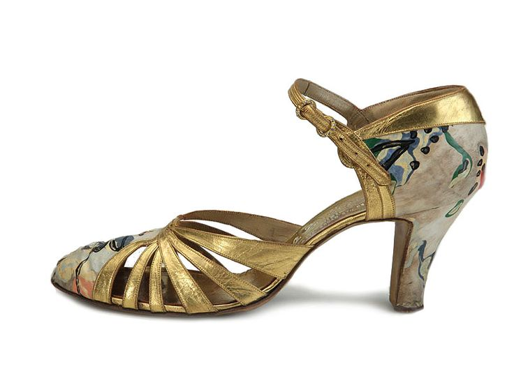 Shoe-Icons / Shoes / Lady's shoes made of hand-painted fabric and gold leather details.