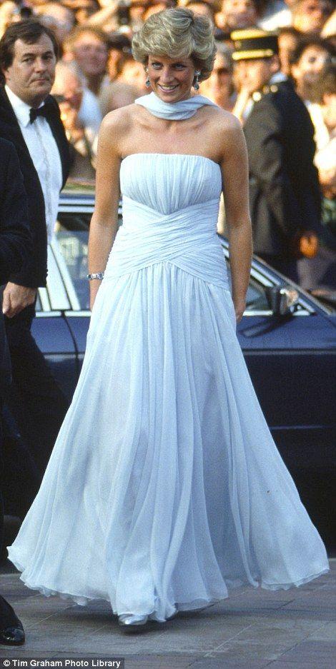 91 best Diana\'s dresses images on Pinterest | Princess diana fashion ...