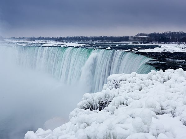 the waterfalls straddle the border between canada and the united states horseshoe is on the canadian
