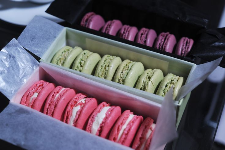 mint macarons from dana s bakery green macarons mint macaroons see ...