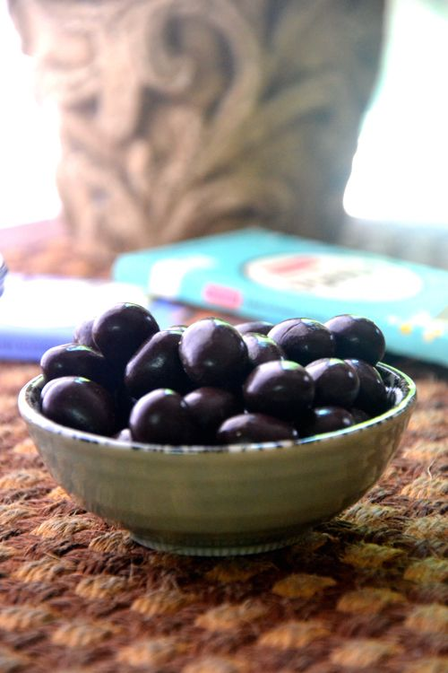 Dark Chocolate Almonds- sounds easy!