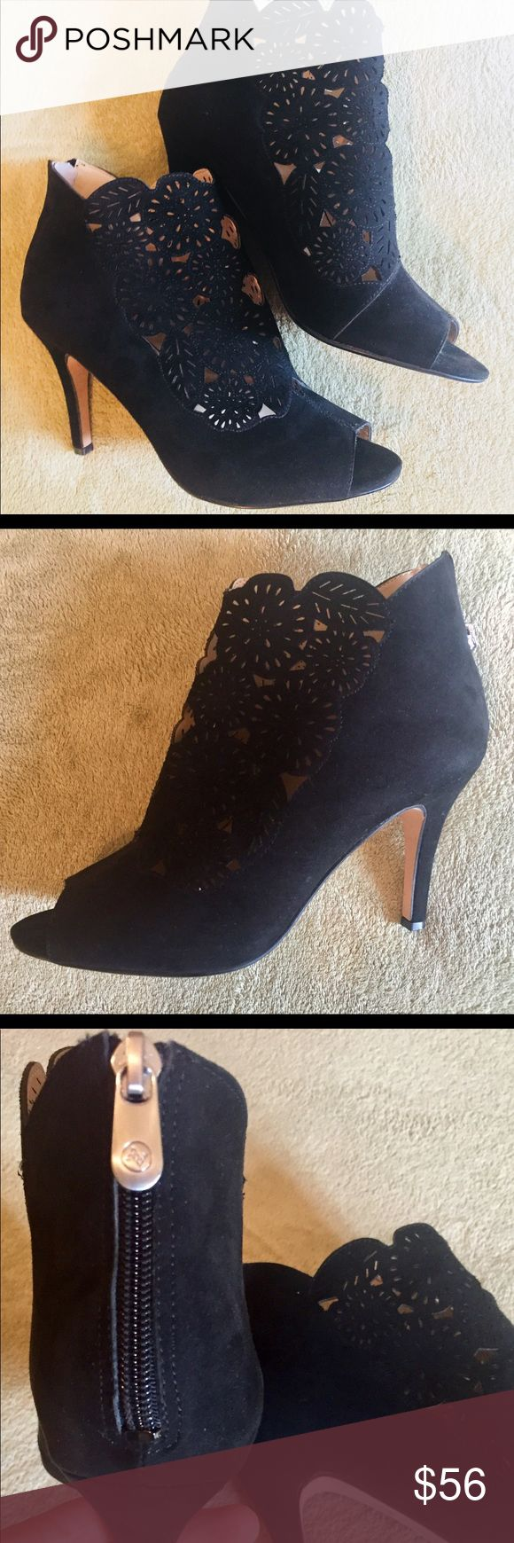 """Adrienne Vittadini suede black shoes size 10 ❤️ New without box. Beautiful suede shoes size 10 ❤️  Heel: 4"""" approx.  NOTE: Shoes have some scuffing/spots on the outsoles from being tried on or/and original price being removed. Please see pictures for details. Adrienne Vittadini Shoes Heels"""