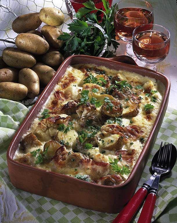 Unser beliebtes Rezept für Deftiger Kartoffelauflauf und mehr als 55.000 weitere kostenlose Rezepte auf LECKER.de.