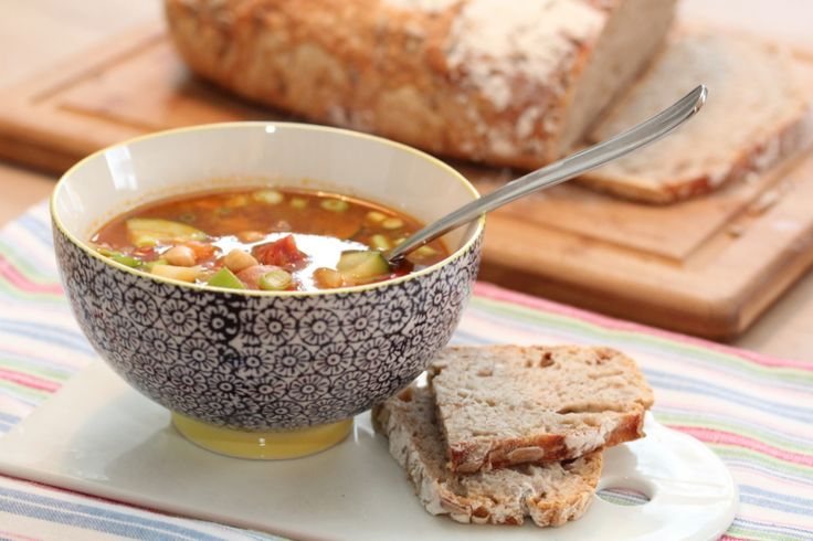 Easy soup with chorizo, squash and chickpeas