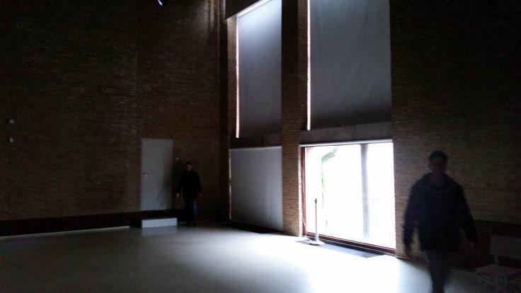 Dit wordt ramen afplakken @ Designhuis Eindhoven