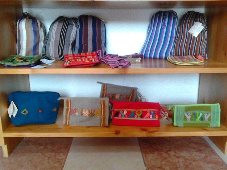 Bolsas para café, cosmetiqueras, portalapices, bolsas para niñas (coffee bags, makeup bags, pencil cases, purses for little girls)