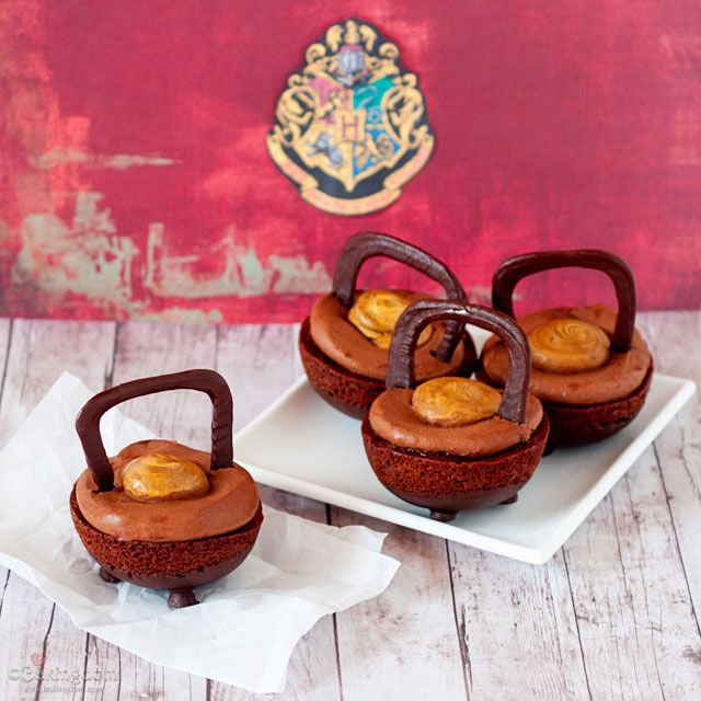 Harry Potter-Inspired Double Double Chocolate Cauldron Cakes