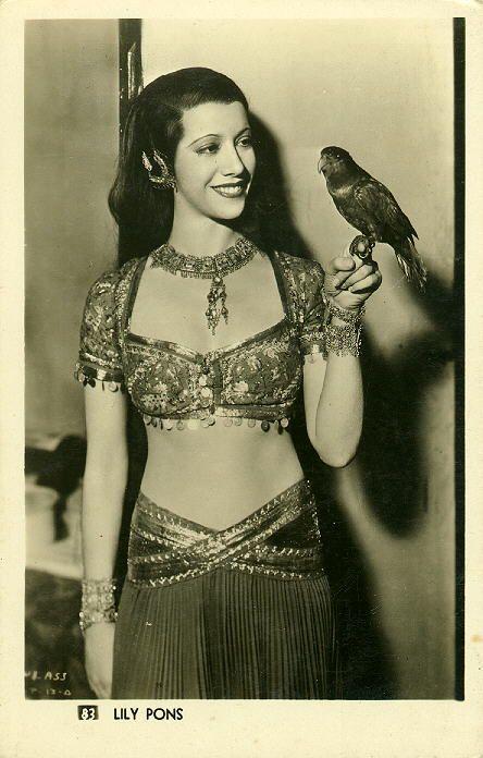 Lily Pons - American Lyric Coloratura Soprano (1898-1976)  https://www.youtube.com/watch?v=2TfddrnmvbA http://en.wikipedia.org/wiki/Lily_Pons