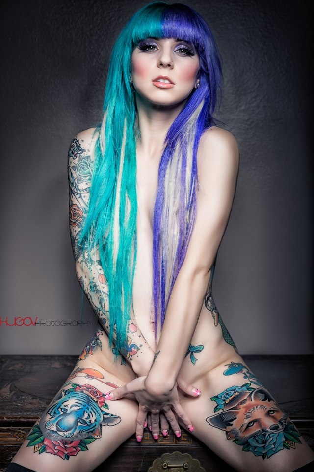 attractive girls nude tattooed