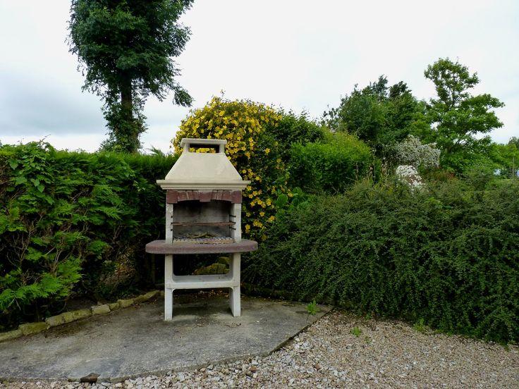 Mais même par temps gris, ce qui est rare, le barbecue est toujours disponible, et surtout à proximité de la terrasse. 2012