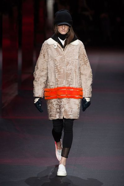 Mode à Paris FW 2014/15 – Moncler Gamme Rouge. See all fashion show on: http://www.bmmag.it/sfilate/mode-paris-fw-201415-moncler-gamme-rouge/ #fall #winter #FW #catwalk #fashionshow #womansfashion #woman #fashion #style #look #collection #modeaparis #moncler #gammerouge @Moncler