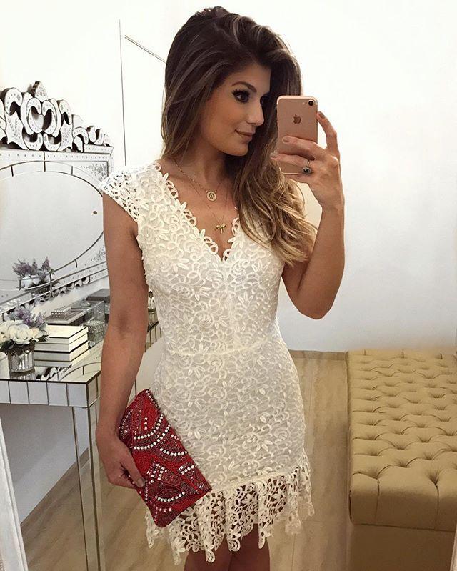 {Night ✨} De vestido @rocklola_ todo de guipir!  Disponível online: www.rocklola.com.br • #ootn #lookdanoite #lookofthenight #selfie #blogtrendalert