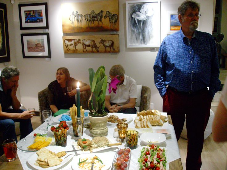 Ian Redelinghuys opened the Exhibition premiere evening for artists Francois Coertze, Heimeri Botes and Corlia Fouche.