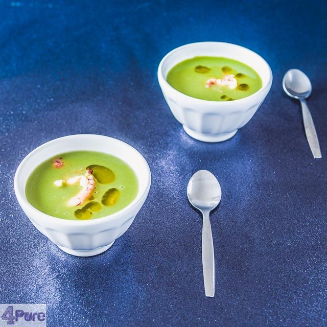 Pea soup with crayfish- English recipe - A lovely light and homemade pea soup with crayfish and a few drops of delicious olive oil. A flavorfultasty entree.