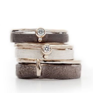 Gewoon om te bewaren - Prachtige ringen | Zwart zilveren trouwringen met detail in wit goud | Wim Meeussen Goudsmederij Antwerpen
