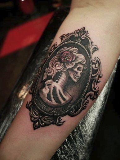 #tattoo #skeleton #mirror