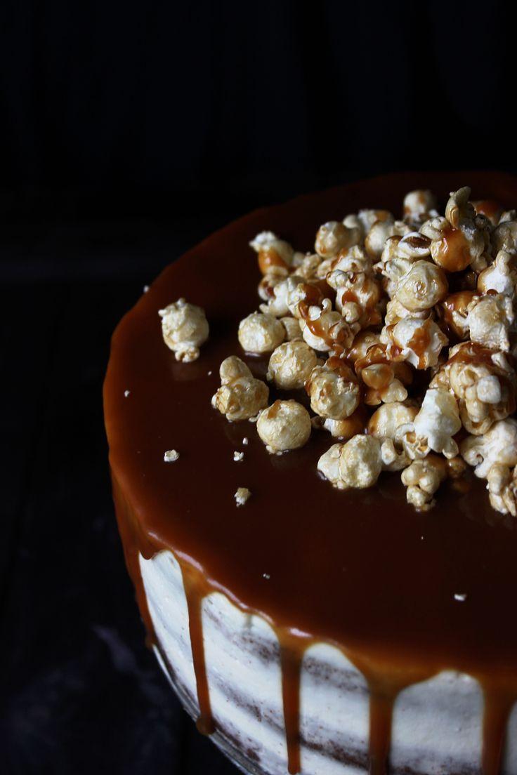 Шоколадный торт с соленой карамелью и попкорном   Кулинарный блог Розмарин