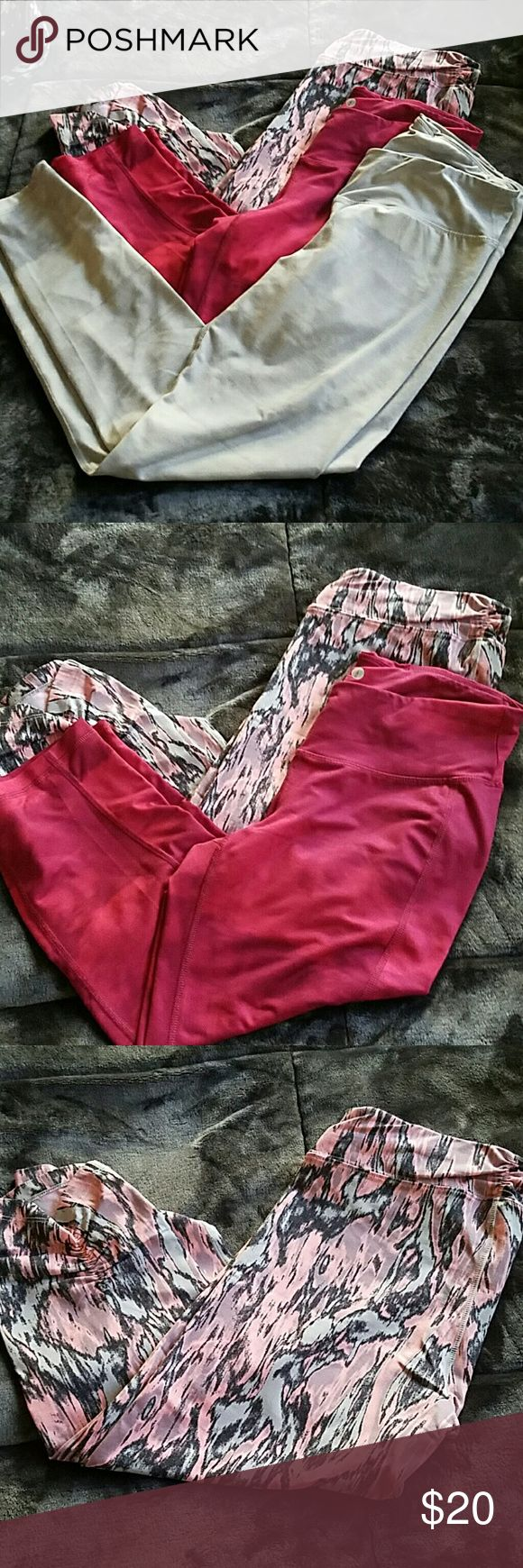 Old navy gym pants 1 full lenght old navy gym pants, 1 crop old navy and the light pink crops are calvin klein. All good condition Old Navy Pants Track Pants & Joggers