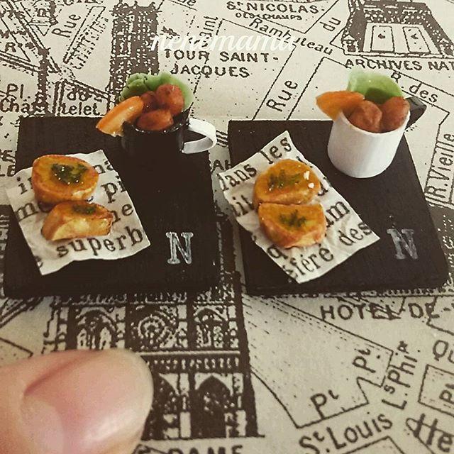 ガーリックトーストとから揚げセット♪ #ミニチュア #ミニチュアフード #フェイクスイーツ #フェイクフード #食品サンプル #ドールハウス #粘土 #カフェ #ハンドメイド  #マグカップ #男前風 #から揚げ #ガーリックトースト #ランチ #miniature #miniaturefood #handmade #clay #dollhouse #cafe #sweets #lunch