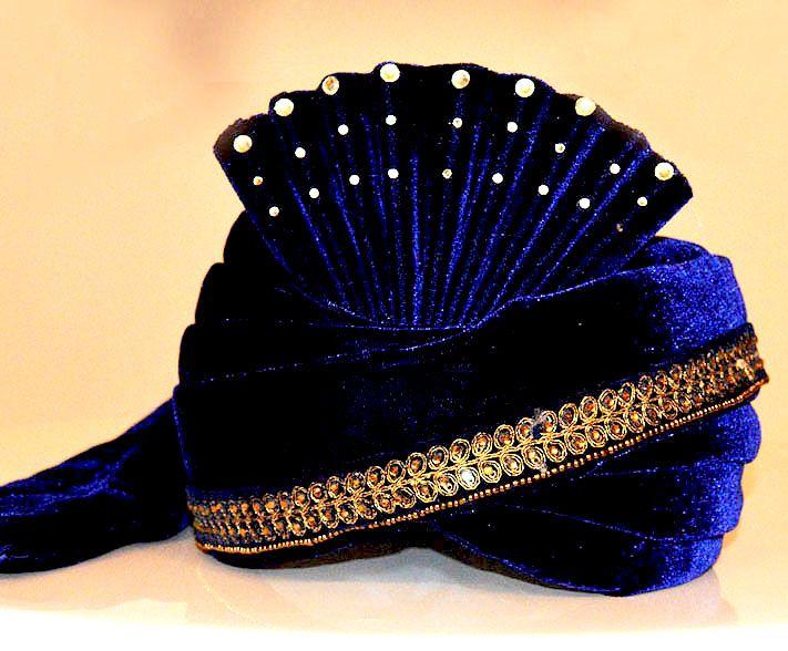 Royal Velvet Groom Turban ZP0708  Get this dress from : https://lnkd.in/fGYs5uY  #indiabazaaronline #Turban #WeddingTurbans #RoyalTurbans #Blue #Velvet #groompagri #groomturban #weddingsafa #groomturbanonline #BuyWeddingTurban #GroomFancySafa #IndianWeddingTurbans #TurbanCollection #MensTurban #Designerweddingturban #pagri #Weddingpagri #pagriforbarati