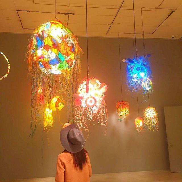 【natsuko_harada8】さんのInstagramをピンしています。 《十和田現代美術館のレーガン展へ 地球に優しい生活  #十和田現代美術館#海#レーガン展#地球に優しい生活》