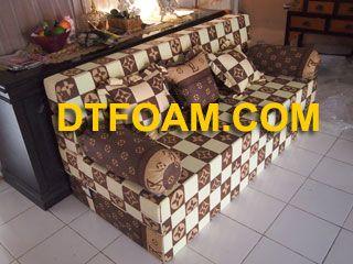 harga Sofa Bed LV Kotak Kecil https://dtfoam.com/sofa-bed-lv-kotak-kecil/ Pilihan Busa : Super awet 10 tahun /Esklusif awet 15 tahun. – Cover : Katun Halus. – Dapat di vakum untuk memperkecil biaya pengiriman. – Motif cover dapat menggunakan motif cover sofa bed maupun motif kasur busa. Sofa bed adalah gabungan sofa dan …</p>