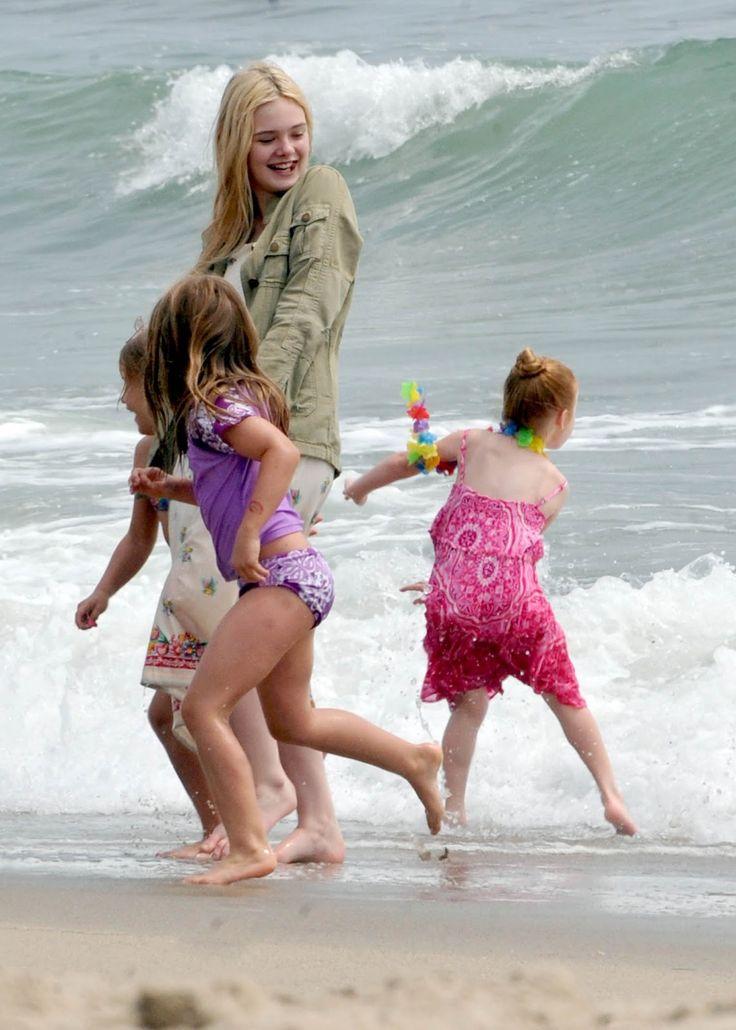 elle fanning beach | Elle Fanning blogspot ♥: Elle Fanning in Santa Monica beach (June 13 ...
