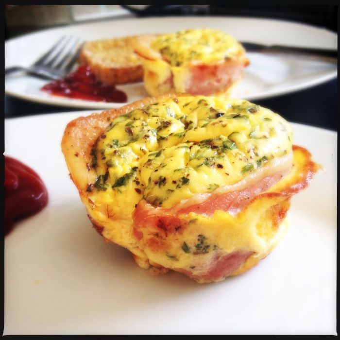 Bacon and egg pie - Donna Hay (Fresh, Fast, Simple)