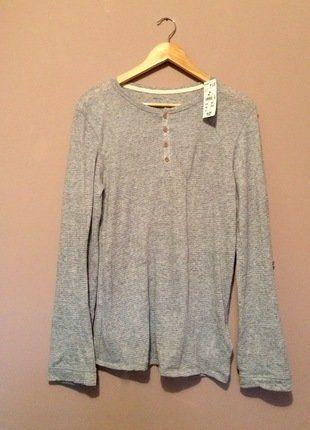 À vendre sur #vintedfrance ! http://www.vinted.fr/mode-hommes/t-shirts/32866696-haut-gris-chine-kiabi-homme-neuf