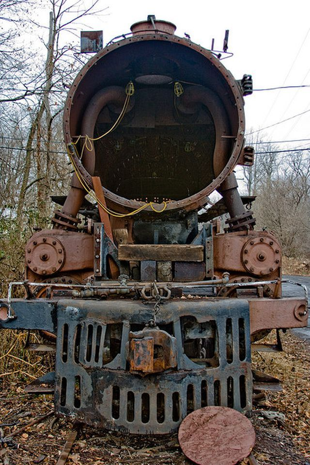 abandoned train graveyard in Pennsylvania - what a sad place to go, being ive gotten use to giving engines a personality!