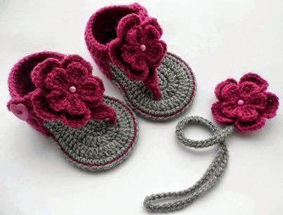 Santa Clara Artesanato: Sandálias de crochê para bebê