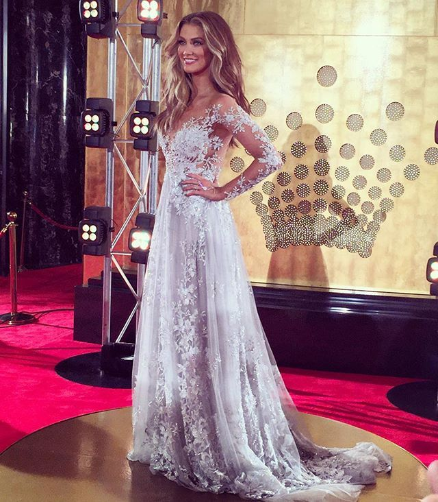 Thank you @paolo_sebastian for my fairytale dress I love your creations and my friends at @cerronejewellers always for the sparkle! Big thank you to for hosting all of us!!!! #tvweeklogies #DearLife