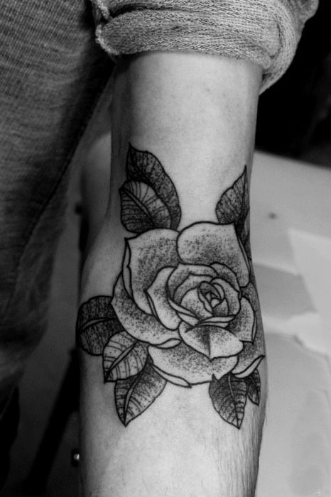 Rose tattoo. Inked by MXM at Sacred Yantra Tattoo in Lausanne Switzerland, Eastriver Tattoo in Brooklyn NY, and Shangri-La in London UK.