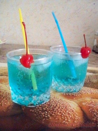Коктейль «Голубая лагуна» on http://kulinarniyclub.ru