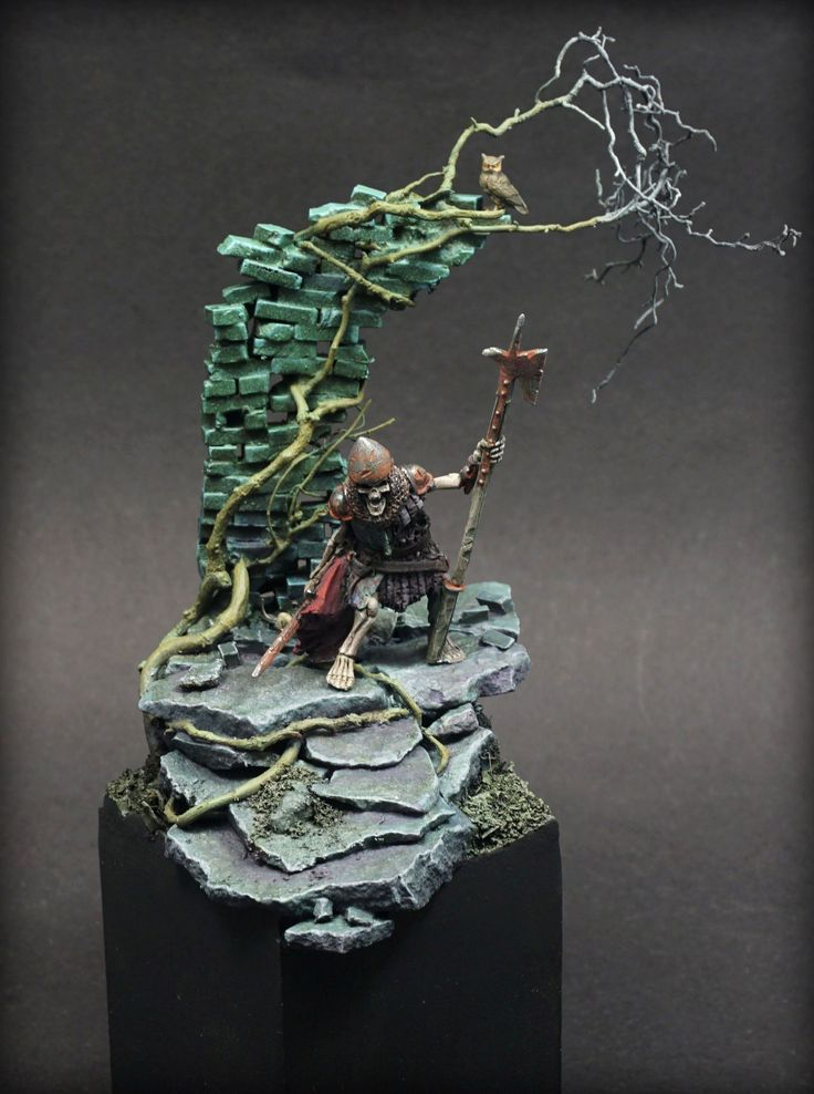 Another example of Michael's painting skills, this time one of undead knights: https://puppetswar.eu/product.php?id_product=644