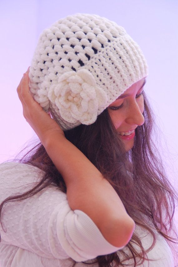 Crochet light beige beanie hat, big crochet flower, woman accessories, crocheted winter wool hat,  fall winter fashion, slouchy ribbed hat