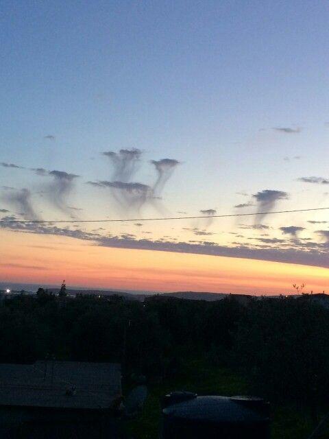 Nuvole che si sciolgono sul golfo di Porto Pino
