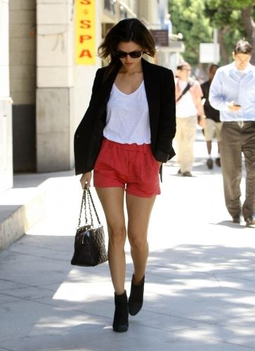 Rachel Bilson Style <3  soon I wil be able to wear shorts like this