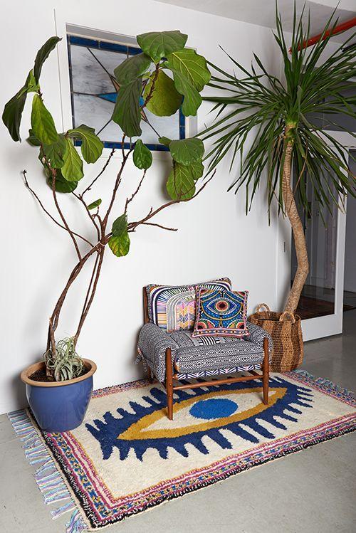 Ausgefallene Muster und große Zimmerpflanzen ergänzen sich perfekt! #pflanzenfreude