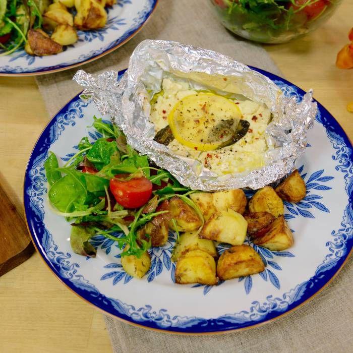 Ugnsbakad fetaost med citron och örter med ugnsrostad potatis | mitt kök
