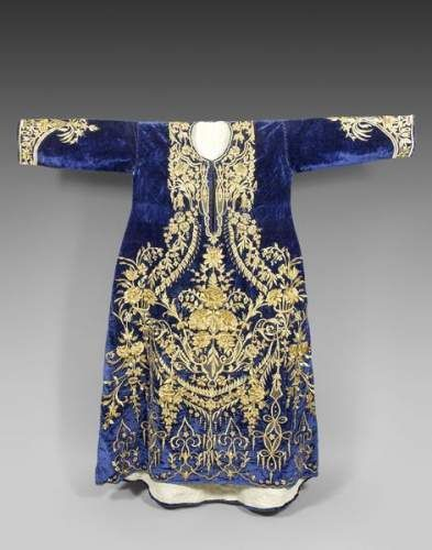 Wedding dress, bindallı in blue velvet embroidered in gold kabarma. Turkey, Ottoman art, nineteenth century.
