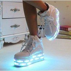 USB rechargeable chaussures LED la mode à talons hauts chaussures plate-forme des femmes blanc - Achat / Vente chausson - pantoufle - Cdiscount