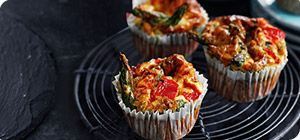 Bursting with slimming Speed foods, these asparagus and roasted pepper egg muffins make a super snack.