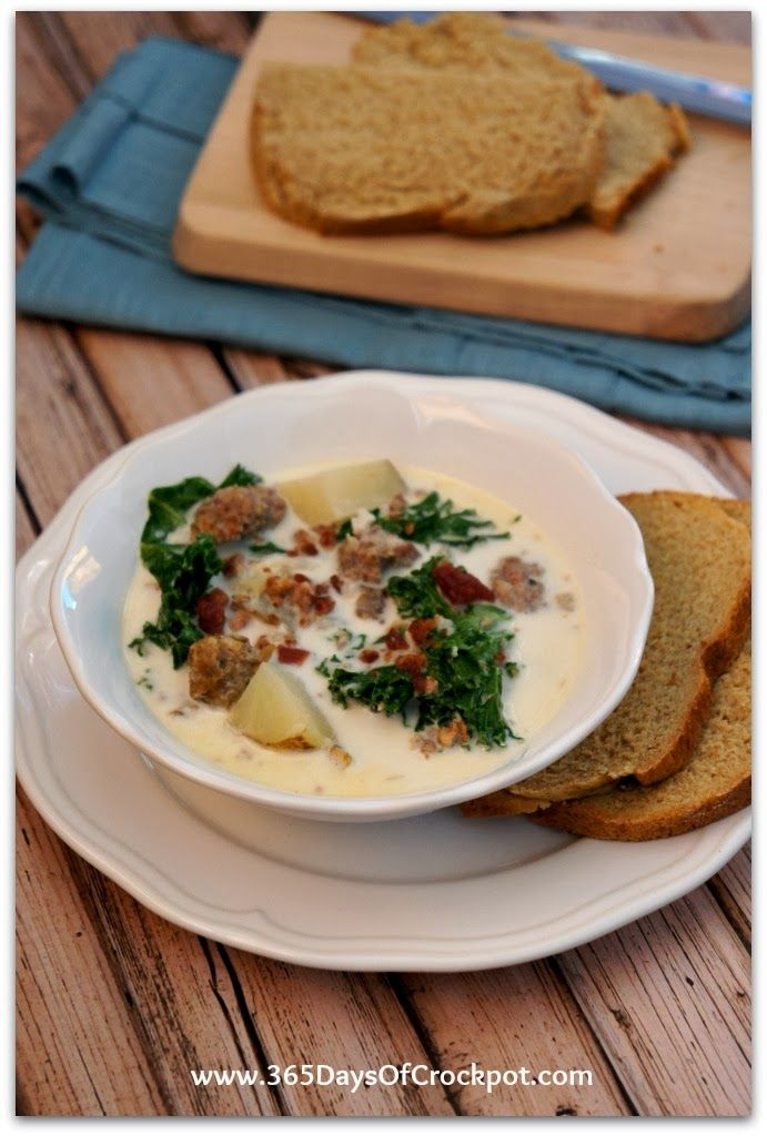 Easy Slow Cooker Recipe for Zuppa Toscana (Olive Garden Copy Cat).  This is better than Olive Garden!  It is creamy, flavorful and best of a...