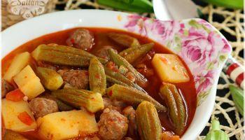 Köfteli Bamya Yemeği