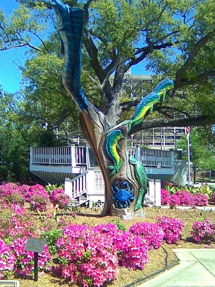 Carved and painted tree in biloxi ms mississippi