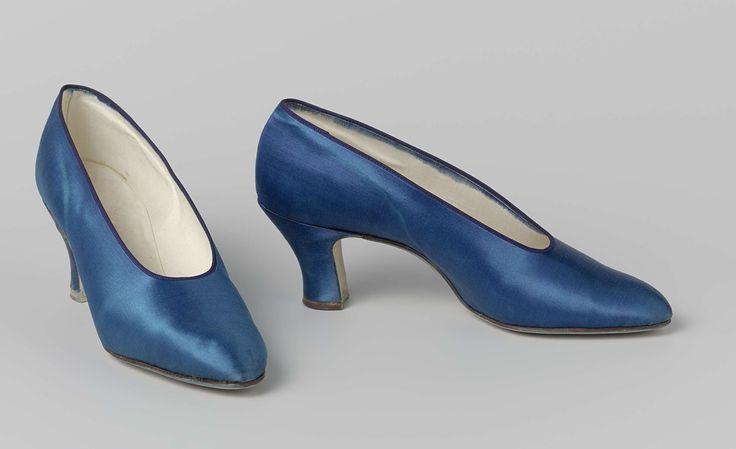Schoen, van kobaltblauwe satijn, Bata, ca. 1930 - ca. 1935